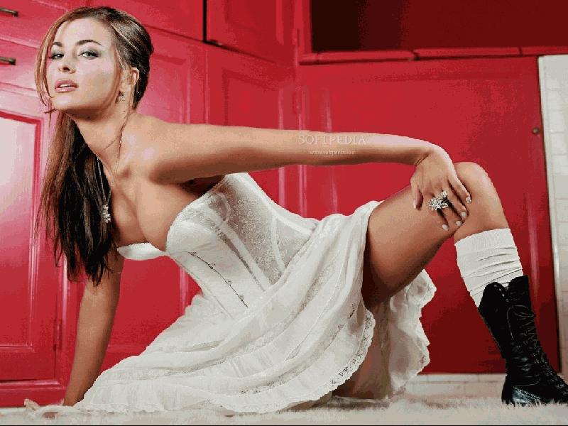 Carmen Electra Sexy Screensaver 12